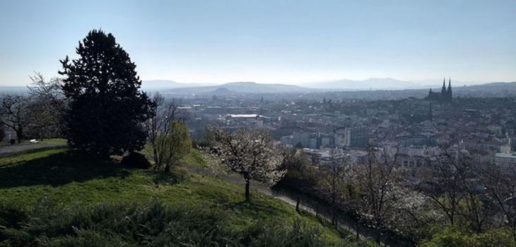 Clermont-Ferrand vue du parc Monjuzet